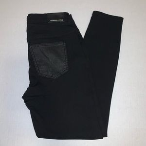 Kendall & Kylie Black Skinny Jeans size 29